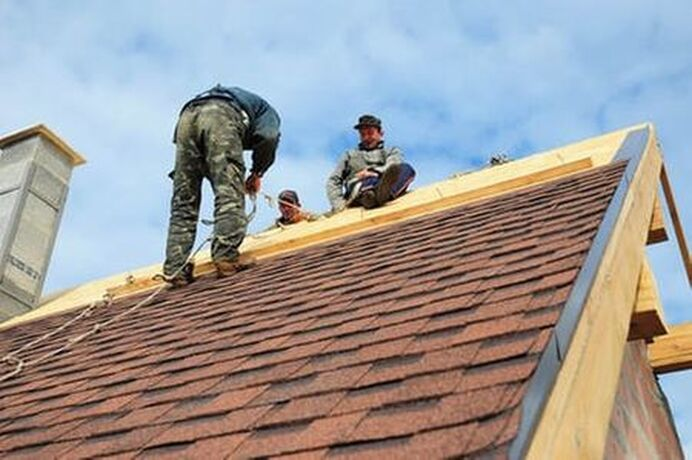 Glendale Roofer Pro's preforming some residential roofing repairs.